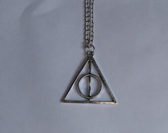 """""""harry potter"""" silver necklace and Medallion"""