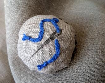 Pincushion, pin cushion, cupcake pincushion, tart tin pin cushion, needle holder, sewing gioft, crafts, pins