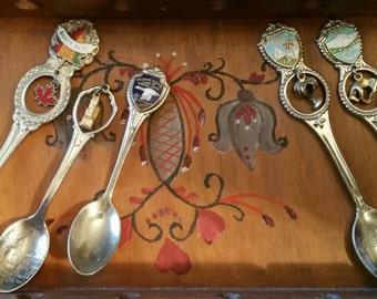 Vintage Souvenir Collectable  Spoons ~ Florida Chicago Montana Minnesota Canada
