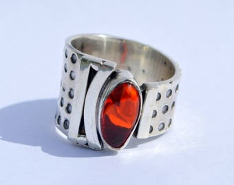 Solid Fire Opal Ring in Sterling Silver 950%