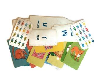 Vintage Flash Cards, 1990s 34 Vintage Alphabet Cards, Alphabet Flash Cards, Craft Supplies Childrens Room Decor Vintage Nursery Wall Art
