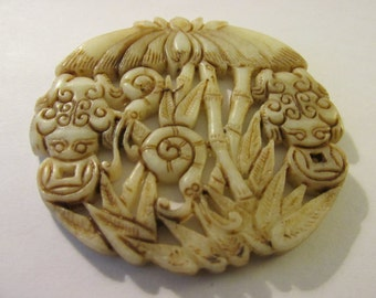 """Off-White Jade Stone Pendant of Money Frog with Bamboo Motif, 2 1/2"""""""