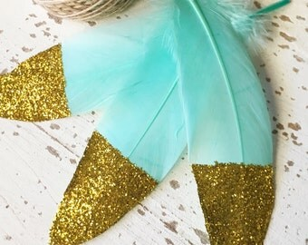 15 Glitter Dipped Feathers With 3m Twine / Mint Green Feathers Gold Glitter / DIY Feather Garland