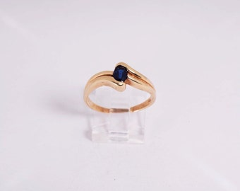 14K Yellow Gold Sapphire Ring, 4.2 grams, size 10