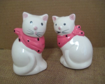 RESERVED FOR NATIKA White Cats in Pink Kerchiefs / Salt & Pepper Shakers