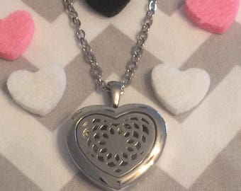 Aromatherapy Neclace/ Essential Oil Diffuser Necklace / Heart Locket Necklace