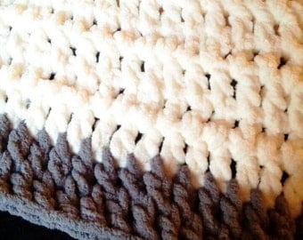 Cream & Grey Lap Throw