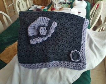 Baby blanket with hat