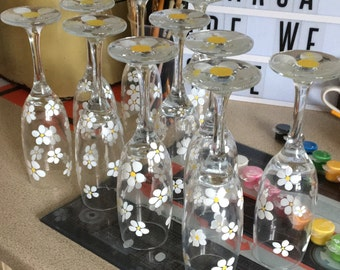 Hand painted daisy champagne flutes set of 6