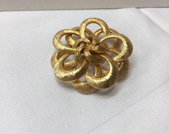 Vintage Gold Tone Flower Overlap Brooch