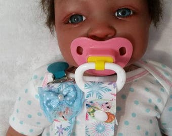 FREE SHIPPING !!!  Frozen Pacifier Clip, Baby Pacifier Clip, Reborn Pacifier Clip, Reborn  Baby, Baby Gift