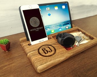 Personalized Dad Gift Charging Station Iphone Ipad Docking Station Christmas Gifts for Him Anniversary Gift for Men Wood Docking Station