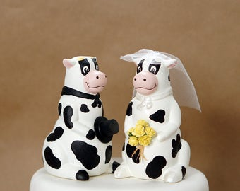 Cow wedding cake topper, barn wedding cake top, farm wedding cake top, ranch cake top, western cake topper, rustic wedding cake top, animals