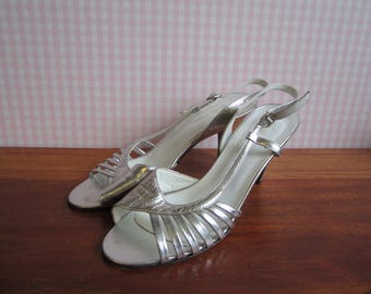 Vintage Bella Cara Sandals Strappy Pumps Silver Metallic Leather Slingback Heels Tan Soles EU37 Mid Century Modern Party Shoes Italy 60s 70s