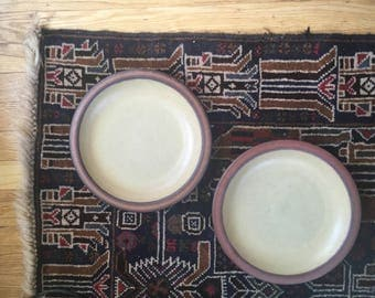 Pair of Heath Plates Rim Line Mojave