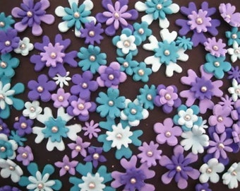 70 edible fondant flowers daisy and blossom cupcake toppers. Girls birthday. Cake decorations. Baby shower.