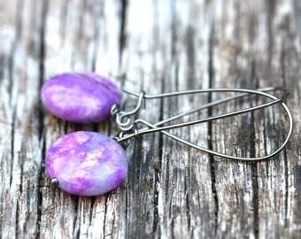Purple Fuchsia Quartz Stone Drop Earrings Lentil Stone Bead Drop Earrings | Earthy Purple Stone Earrings | Redd Molly Vintagerie