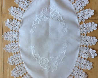 Antique 1800s Scottish Doily Table Centre Silk Lace Thistle Embroido Hand loomed Linen Unused Dowry
