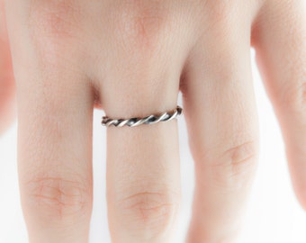 Modern, twisted Ribbon ring / stack ring