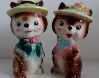 Vintage 1950's Red Squirrels Salt And Pepper Shakers - Cruet Set
