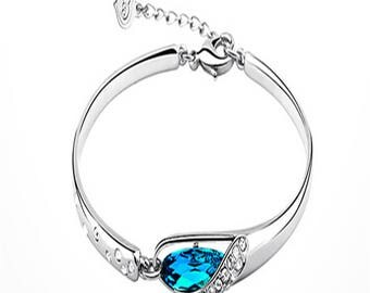 Beautifull Crystal Bangle