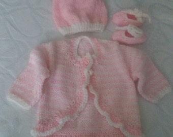 Prem/Newborn Baby Gift Set/hand knit