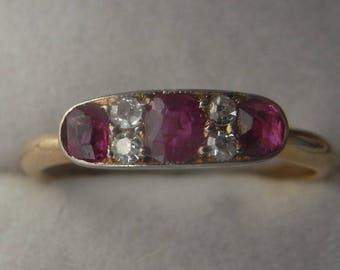 Pretty Antique Ruby and Diamond Ring in 18ct Yellow Gold Art Deco