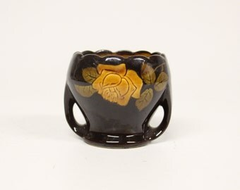 Art Deco Vase/flower pot with roses