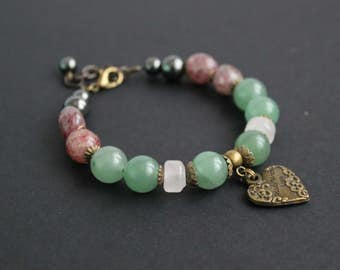 Green rose gemstone bracelet Heart chakra bracelet Rose quartz bracelet Green aventurine bracelet Gemstone heart charm bracelet Gift for Mom