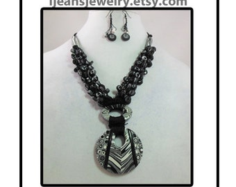 Black and White extruded Crochet Polymer Clay Bead Necklace and Earring Set