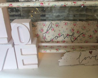 Shabby chic Driftwood Sign Pretty a Ditsy Floral/flower detail with Love script Handmade