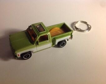 Chevy Stepside pickup truck 1975 Keychain,Keyring (Matchbox)