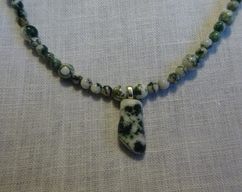Tree Agate Bead Necklace with Pendant. ( TA2-16)