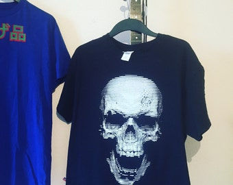 New screenprinted skull shirt, size L.