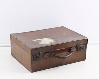 Vintage leather suitcase, 1940s leather hand luggage, 1930s overnight bag, leather weekend bag, small suitcase, decorative storage