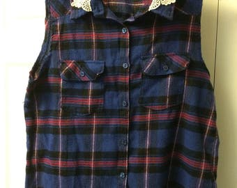 Flannel sleeveless top Size XL