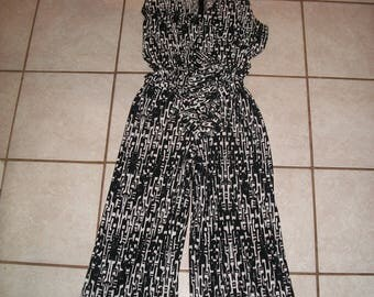 Vintage Black, White Geometric Pattern, Sleeveless Romper Size L