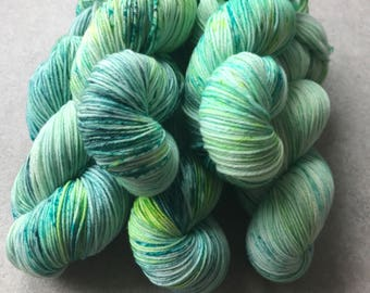 """Merino Wool """"a touch of forest"""" No.. 7 hightwist wool hand dyed 100 g Atelier Zitron"""