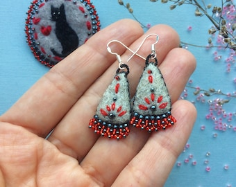 Felted embroidered Earrings - Earrings - Felt Earrings - Felted Earrings - Embroidered Earrings - Black red gray earrings