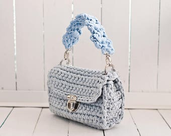 Small handbag with handle and chain over the shoulder/ gray structured shape bag/gray shoulder chain bag/ Structured shape cross body bag