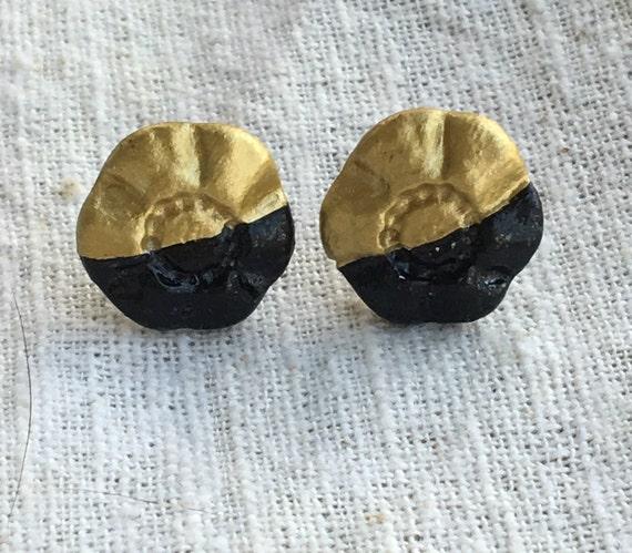 Flower earrings, mod earrings, color block earrings, gold black earrings, mod jewelry, flower jewelry, minimal earrings, flower studs