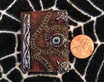 Hocus Pocus Mini Spell Book