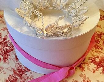 Vintage wedding tiara with veil