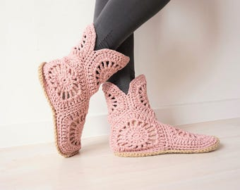 Homewear, Pink Slippers, Womens Crochet Boots, Slipper Boots, Crochet Slippers, Gift for Her, Home Shoes, Spring Slippers, Boho Boots