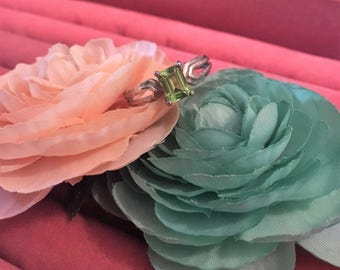 The Grass IS Greener ring sz 9.25
