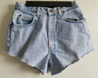 90s light denim shorts / cutoff / mom jeans / festival / summer / shorts / womens
