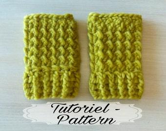 """Crochet """"Fanny"""" Fingerless Mittens Pattern / bulky wool mustard"""
