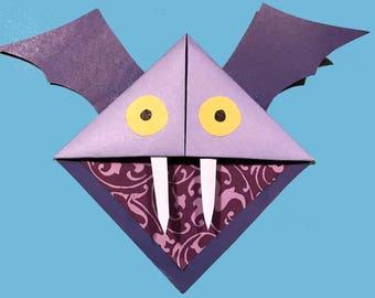 Corner bookmark Bat