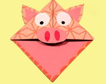 Corner Bookmark Pig