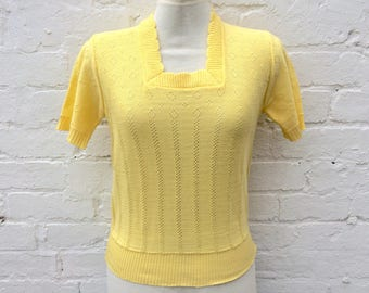 Vintage 50s style knit, yellow retro short sleeved pullover